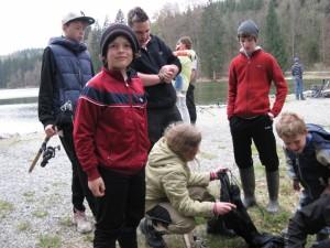 Jungfischer des AVPH-Altenstadt beim Jugendkönigsfischen am Dienhauser Weiher